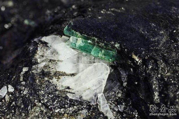 萧邦绿地毯系列珠宝回收价格是否保值